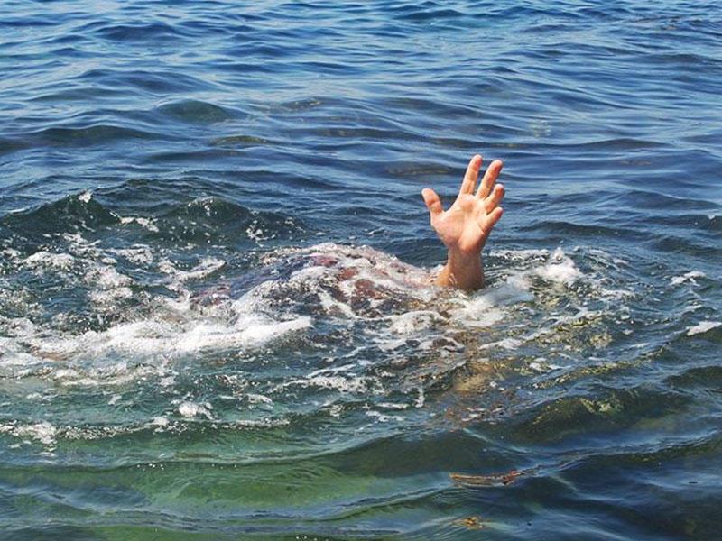Bakıda 33 yaşlı oğlan dənizdə batıb