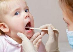 İsti hava şəraitində soyuq qidaların qəbul edilməsi uşaqlarda boğaz ağrılarına səbəb ola bilər