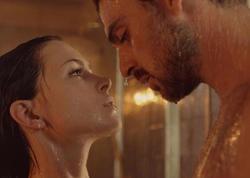 Netfliksin erotik filmi şiddət dolu intim səhnələri ilə müzakirələrə səbəb oldu - FOTO