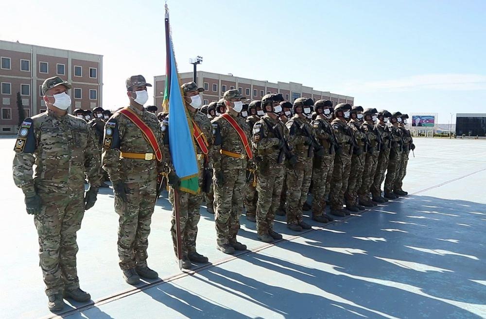 Azərbaycan Ordusunun parad heyəti Moskvaya yola düşdü