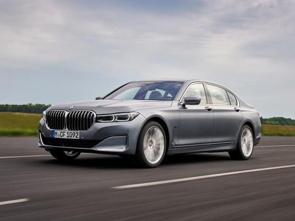 BMW 7 Series sedanı daha güclü dizel mühərrikini alıb - FOTO