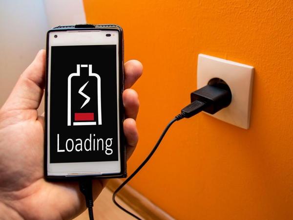Smartfonların avtonom işləmə müddətini xeyli yüksəltməyə imkan verən yeni texnologiya hazırlanıb