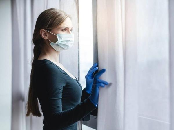 Koronavirus testi müsbət çıxmış şəxs neçə gün evdə qalmalıdır?