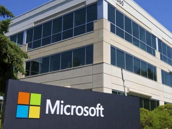 Microsoft pandemiyaya görə işini itirənlər üçün proqram elan etdi