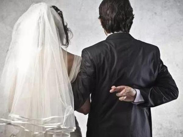 Evli azərbaycanlı Rusiyada qanunsuz nikaha girdiyi üçün məhkəməyə verildi