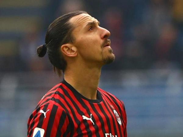 """İbrahimoviç """"Milan""""dan ayrılır"""