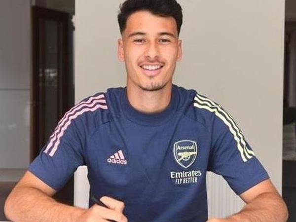 """""""Arsenal"""" hücumçusu ilə yeni müqavilə imzaladı"""