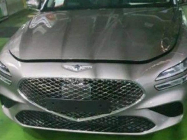 Yenilənmiş Genesis G70 sedanın casus görüntüləri peyda olub - FOTO