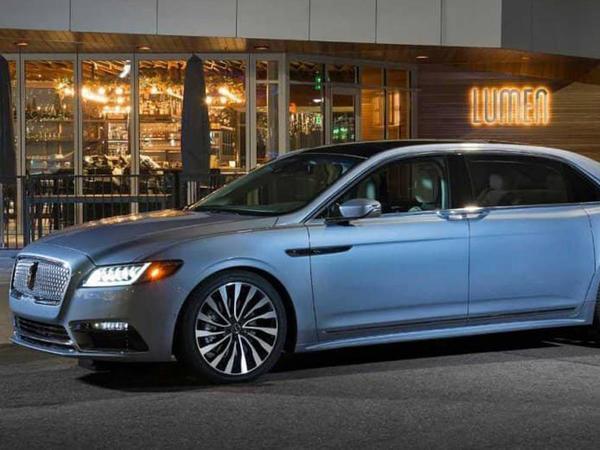 Lincoln Continental sedanı tarixin arxivinə göndərilir - FOTO