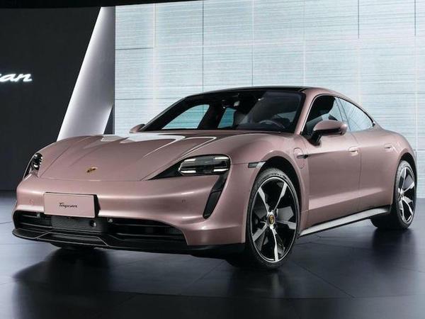 Porsche Taycan modelinin baza versiyasını təqdim edib - FOTO