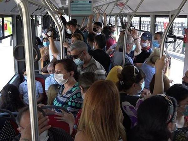 """Ekspess avtobuslarda sıxlıq yaşanır - <span class=""""color_red"""">FOTO</span>"""