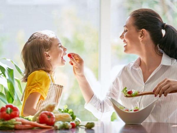 Meyvə-tərəvəzlər uşaq orqanizminin vitaminlərlə təmin olunmasında mühüm rol oynayır