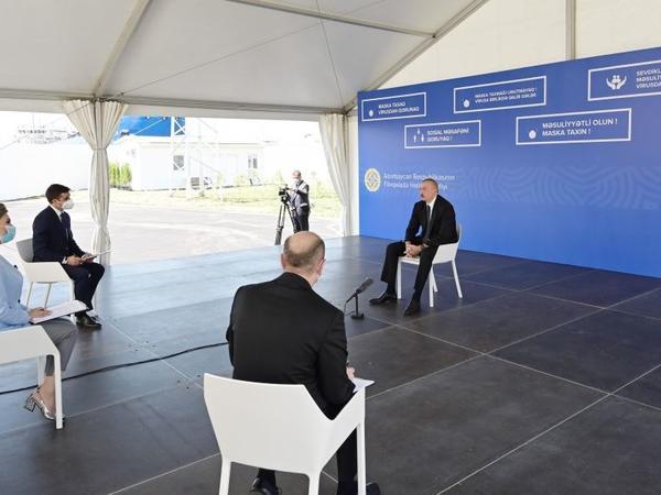 Prezident İlham Əliyev: Azərbaycan bu gün beynəlxalq siyasətin zirvəsindədir, amma bizə şər atanlar böhran içindədir