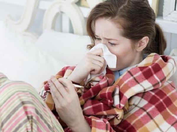 Koronavirus xəstəsi gecə bu vəziyyətdə olur - ÜST AÇIQLADI