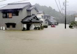 Yaponiyada üç gün yağan leysan yağışlar nəticəsində 60-a yaxın nəfər həlak olub