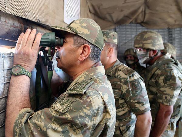 Müdafiə naziri ön xətdə - VİDEO - FOTO