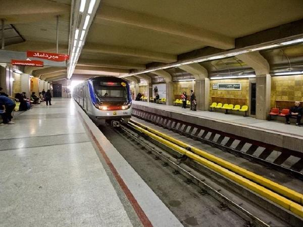 Tehran metrosunda iki qatar toqquşub