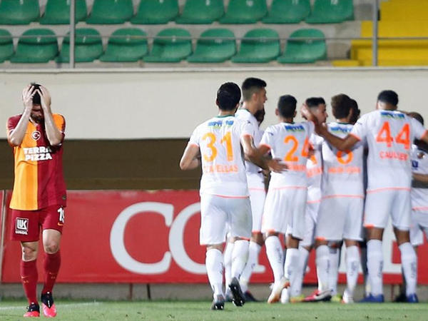 """""""Qalatasaray"""" və """"Sivasspor"""" uduzdu"""