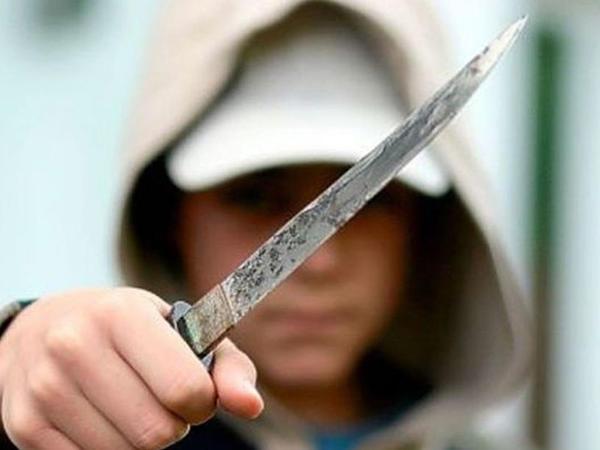 Səkkizinci sinif şagirdi müəllimini öldürdü