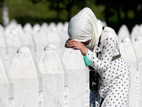 Srebrenitsa qətliamının 25-ci ildönümü qeyd olunur