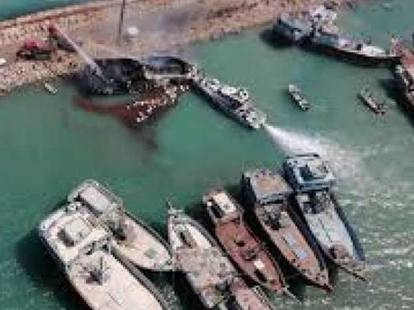 İranda yük gəmisi yanıb