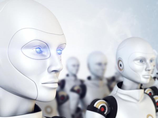 KOVİD-19 virusuna qarşı mübarizə aparan robot