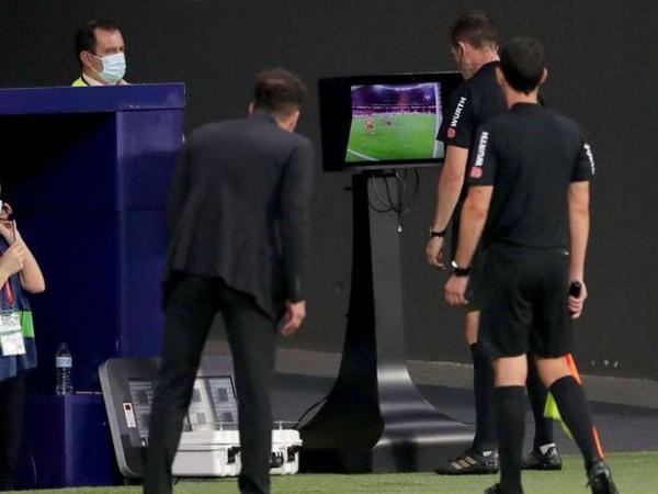 """""""Barselona"""" və """"Atletiko"""" turu qələbə ilə başa vurdu"""
