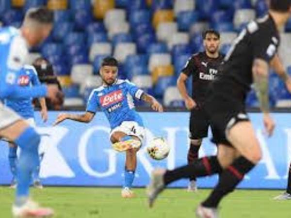 """""""Milan"""" - """"Napoli"""" oyununda 4 qol vuruldu"""
