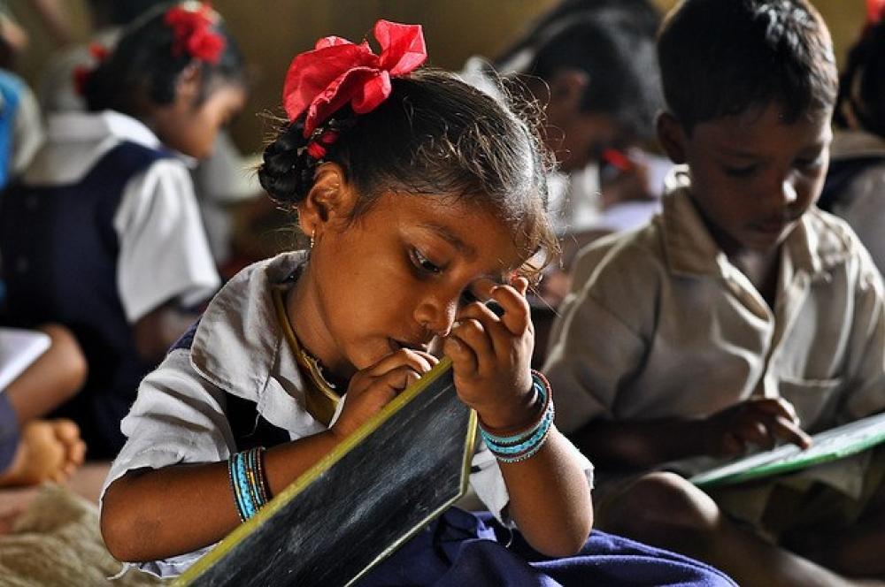10 milyona yaxın uşaq təhsilini yarımçıq qoya bilər