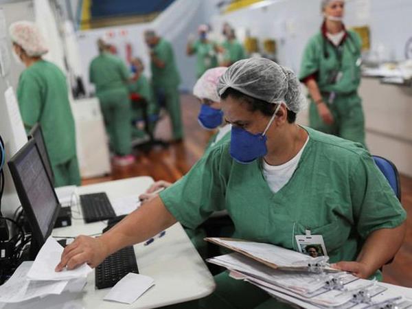 Braziliyada son sutkada 20 mindən çox koronavirusa yoluxma halı qeyd alınıb