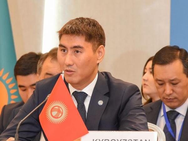 Qırğızıstanın Xarici işlər naziri koronavirusa yoluxub