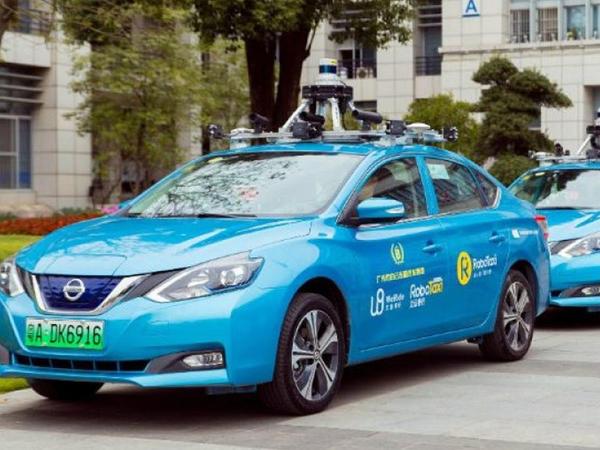 Çində ilk sürücüsüz taksinin sınaqları keçirilir