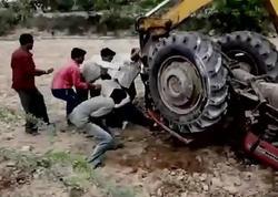 Zorlandığı üçün polisə şikayət edən qızın üstündən traktorla keçdi - FOTO