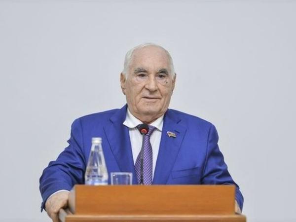 Fəttah Heydərov vəfat etdi
