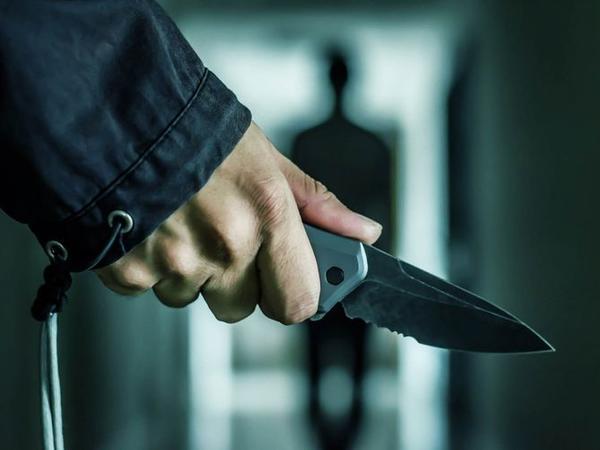 Gəncədə kişi arvadına 3 bıçaq zərbəsi vurdu