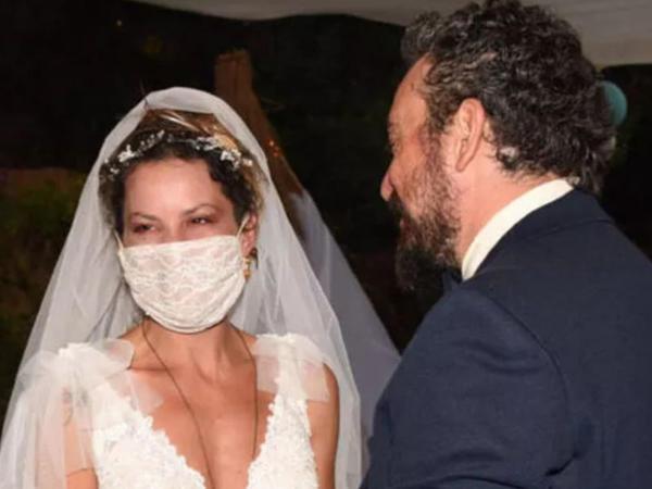 Evliliyi 30 gün çəkən aktrisadan ərinə ittihamlar