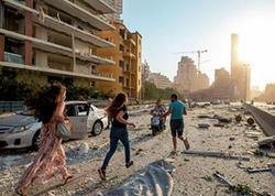 """Beyrutdakı partlayışda 3 erməni ölüb, <span class=""""color_red"""">100-ə yaxın isə yaralanıb</span>"""