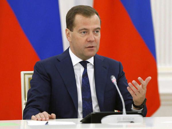 Dmitri Medvedyev ABŞ-ın yeni taktika seçdiyini bildirib