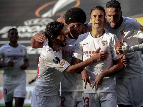 """""""Sevilya"""" və """"Bayer"""" Avropa Liqasının 1/4 finalına vəsiqə qazandılar"""