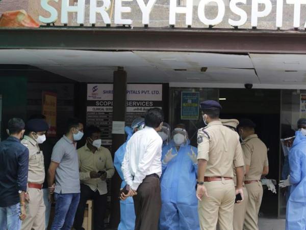 Hindistan xəstəxanasındakı yanğında 8 COVID xəstəsi ölüb