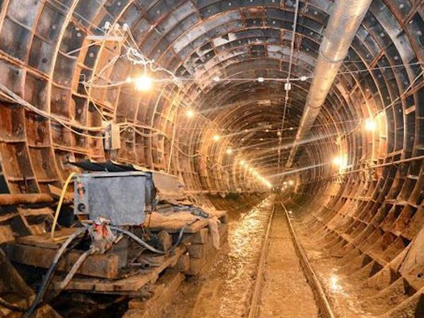 Metrodakı qrunt sularından yaşıllıqların suvarılması üçün istifadə edilməyə başlanıldı