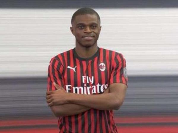 """""""Milan""""da yeni müdafiəçi"""