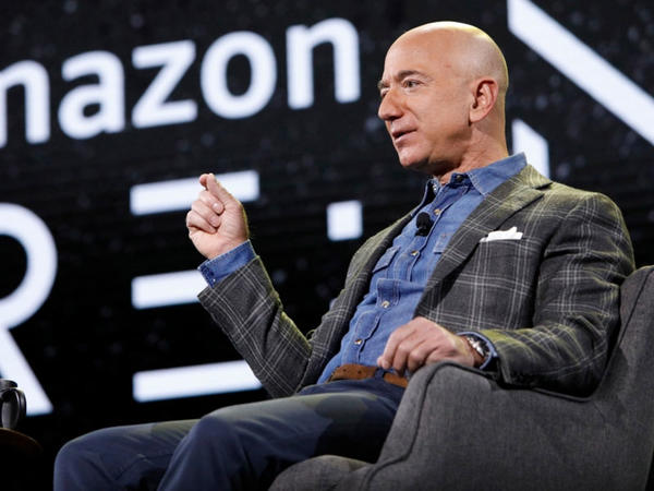 """Bezos """"Amazon""""un bir milyon səhmini 3,1 milyard dollara satıb"""