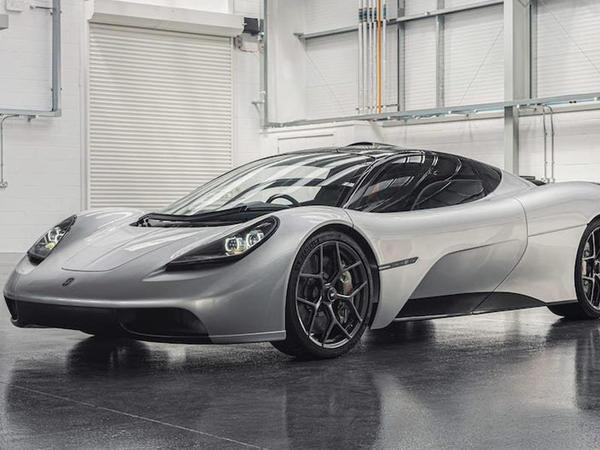 Qordon Mürrey McLaren F1 modelinin varisini nümayiş etdirib - FOTO