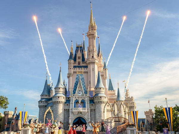 """Disney"" 4,7 milyard ziyana uğrayıb"