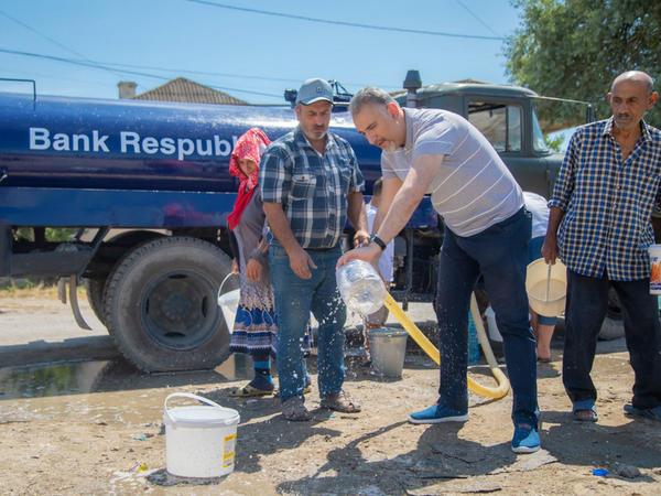 Bank Respublika Neftçala sakinlərini içməli su ilə təmin etdi