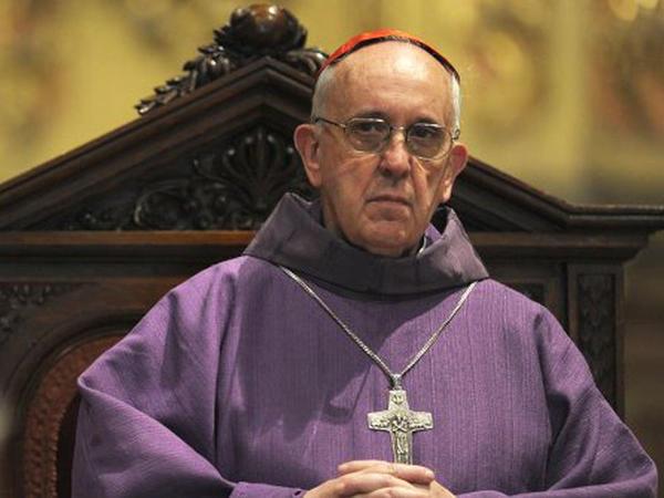 Roma papası Livana maliyyə yardımı edib