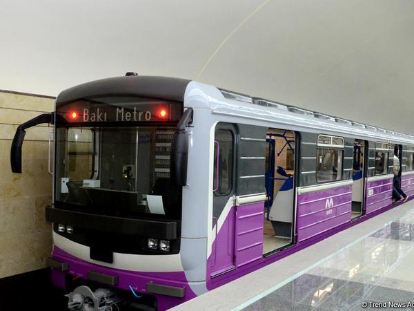 """Metronun bağlı olması gün ərzində 600 min sərnişinin daşınmasını əngəlləyir - <span class=""""color_red""""> PA rəsmisi</span>"""