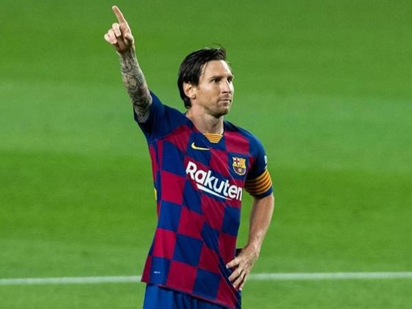 Messi anti-koronavirus döşəyi istifadə edir