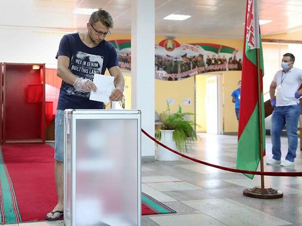 Belarus MSK: Belarusda prezident seçkiləri baş tutub